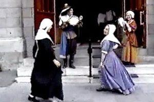 Le parcours de Marguerite (2000) Espace du Musée, Musée Marguerite Bourgeoys. Autopoïésis.